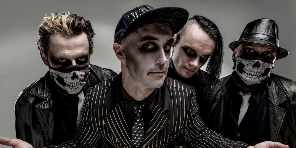 Coffin-Carousel-band-photo-01-1600